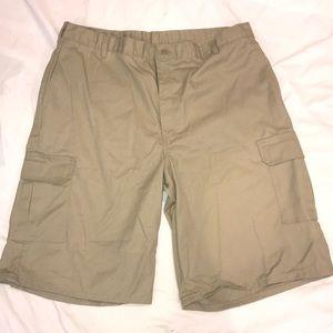 Dickies cargo shorts 42